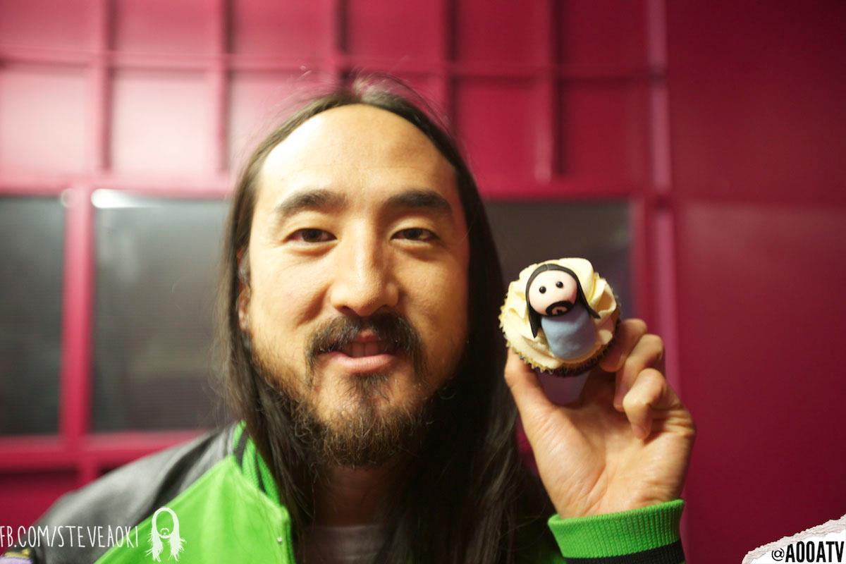 Steve Aoki Cupcake
